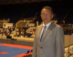 Александр Шлычков помогает сильным духом инвалидам