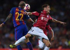 Алавес сенсационно обыграл Барселону благодаря голам Дейверсона и Ибаи Гомеса